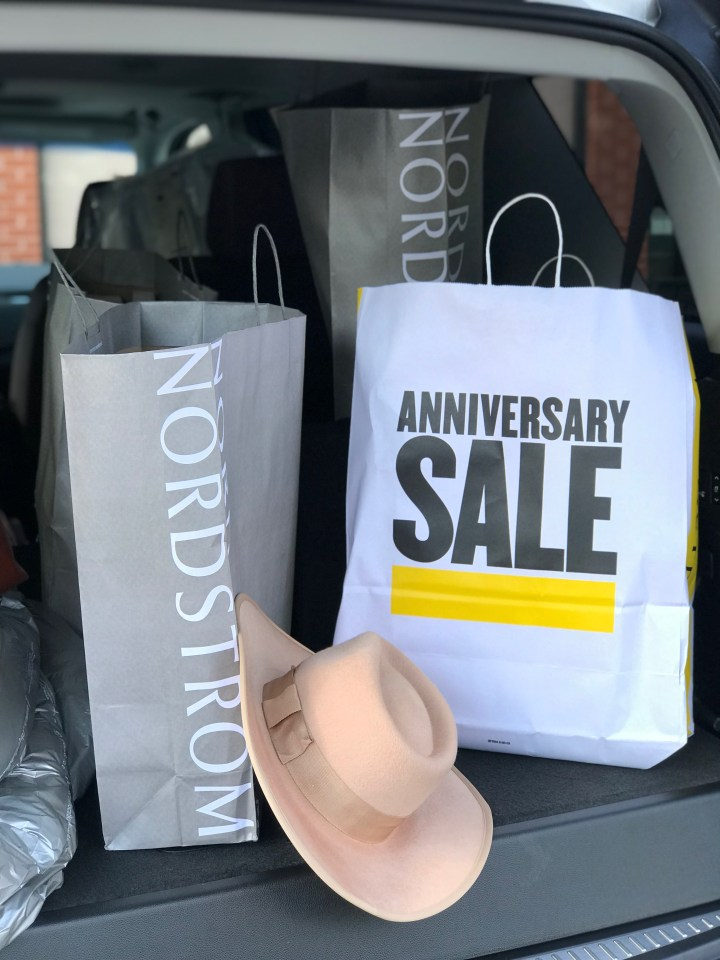 Delegate to a Stylist: The Nordstrom Anniversary Sale 2019