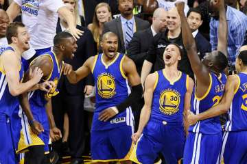 Golden State Warriors celebrating in 2015