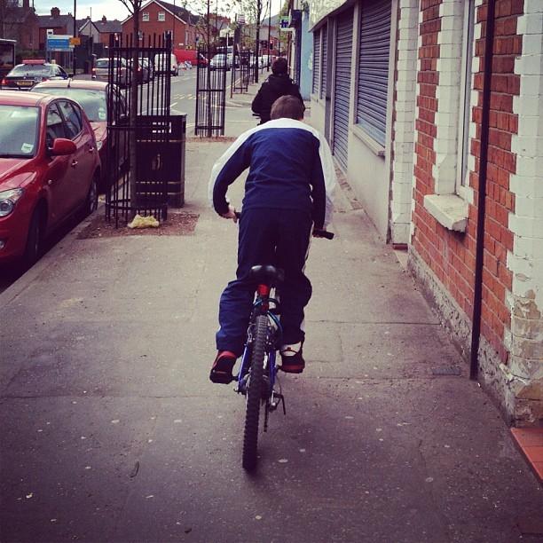 20120404 Bicycle queue
