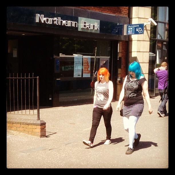 20120524 A bright hair stroll