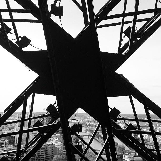 20120920 Eiffel intricacy