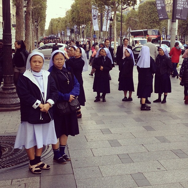 20120927 Nuns on tour