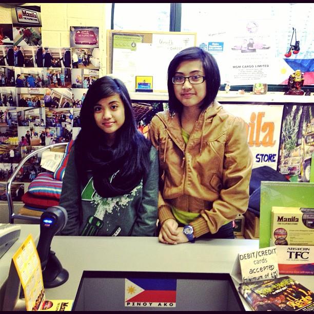 20120205 Filipino shop sisters