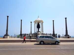 Mahama Gandhi statue at Promenade Beach