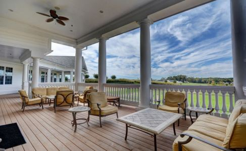 clubhouse veranda, colonial heritage, williamsburg va