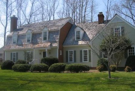 A colonial style home in Kingsmill