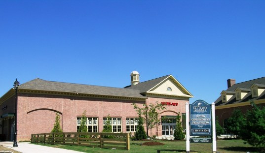 New Town, Williamsurg, VA 019