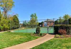 landfall tennis courts