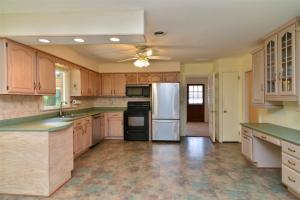 10 kitchen2