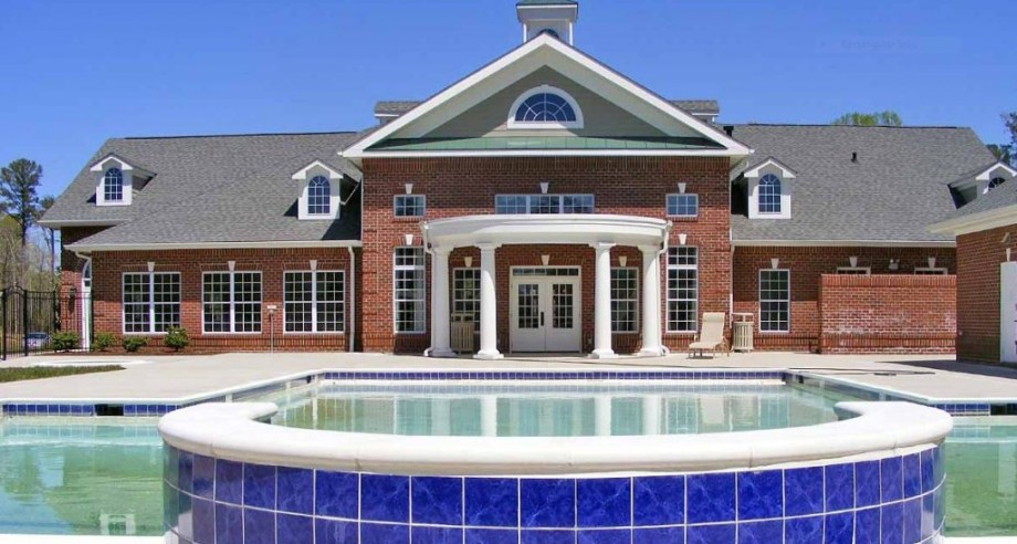pool & clubhouse at the reserve at williamsburg