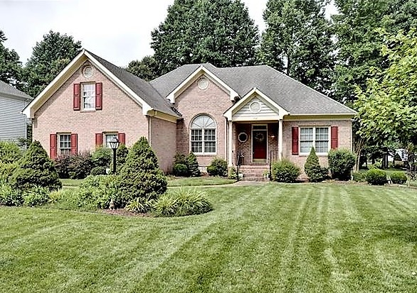 custo ranch home in Piney Creek Estates Williamsburg VA