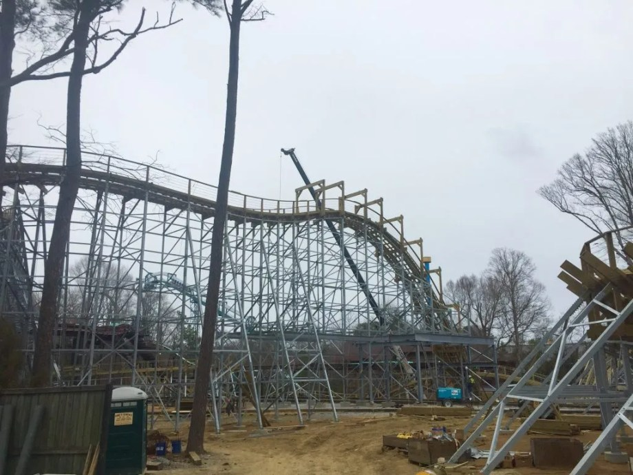 Sneak Peak At Invadr Busch Gardens Williamsburgs New Wooden Roller