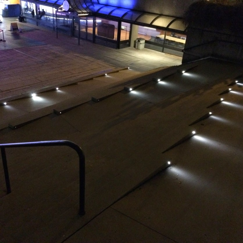 Stairs/ramp hybrid