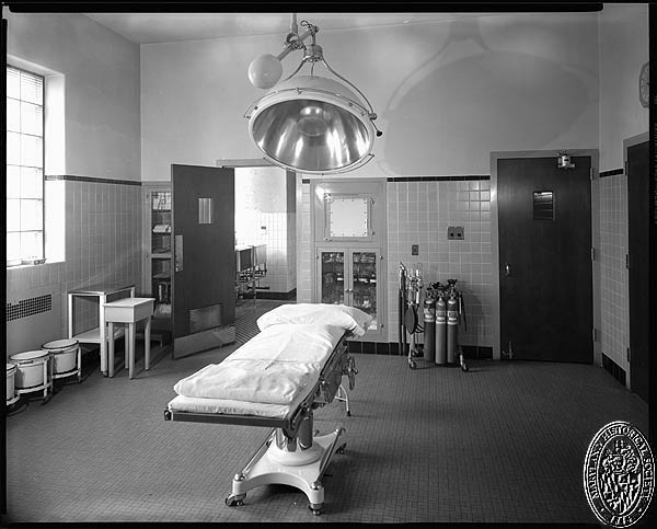 D. Stuart Webb - interiors of the Hospital for the Women of Maryland - operating rooms. Hughes Studio Photograph Collection, PP 30, Box 10, Folder 94. Maryland Historical Society