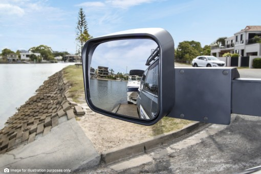 Reversing View towing Boat with MSA 4X4 Towing Mirrors