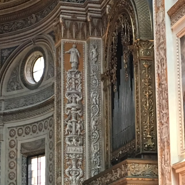 Mantua cathedral: this is paint not plasterwork