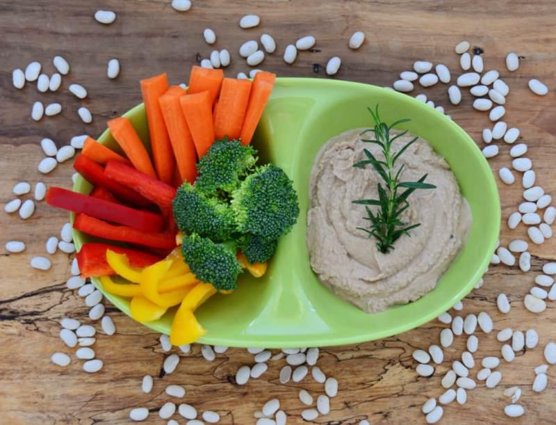 White Bean and Rosemary Hummus