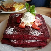 Known for their red velvet pancakes!