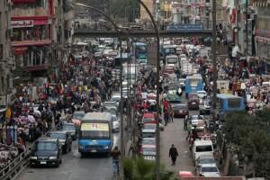 عدد سكان مصر 100 مليون.. نقمة وليس نعمة