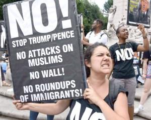 بايدن يخطط لإلغاء حظر السفر من دول إسلامية