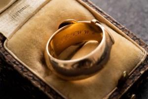 العثور على خاتم أوسكار وايلد المسروق