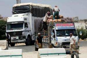 الأردن يستثني بضائع سورية من حظر الاستيراد لخفض الكلفة