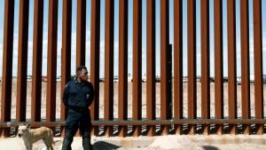 الولايات المتحدة تدرس منح اللجوء للاجئين الذين رفضت إدارة ترامب طلباتهم