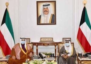 مكالمة عن صحة الأمير تثير الارتياح في الكويت