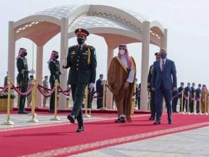العراق يريد دعما ماليا لكن السعودية والإمارات تعرضان فرصا للاستثمار