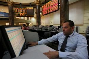 خلافات المضاربين تكشف هشاشة البورصة المصرية