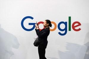ممارسات غوغل وفيسبوك تبطئ جهود الإعلام الخاص للحاق بالعمومي في تركيا