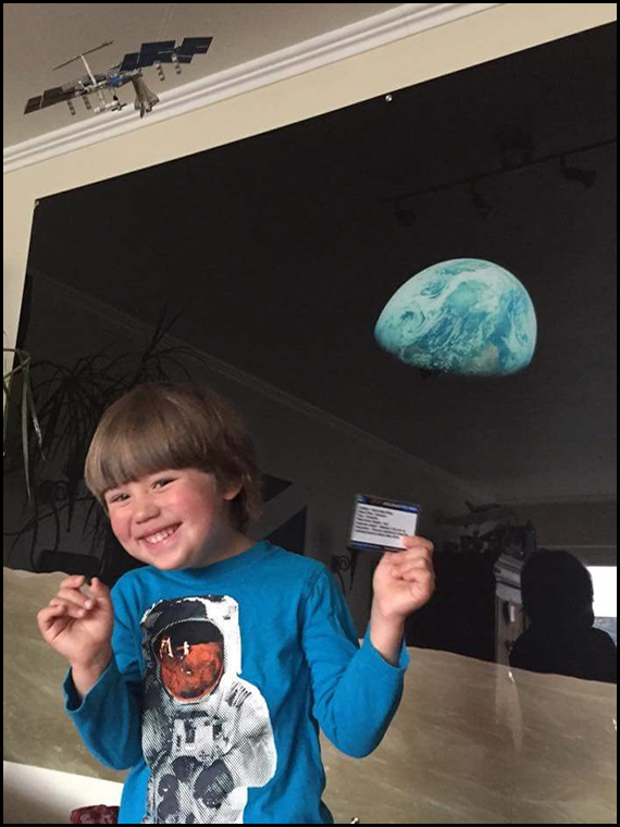 Alex and Eico Neumann sent me this photo of their son Leo with his meteorite that i gave him at CosmicCon. He is obviously a space fiend like his mum and dad! :-)
