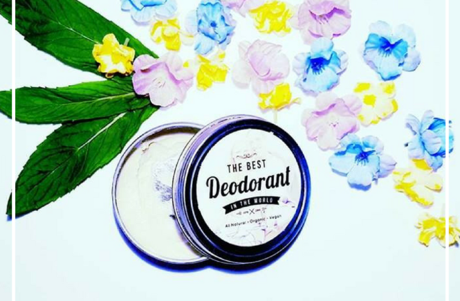 A Natural Deodorant Ingredient Smack Down (and a Free Shopping Check List) | If you want to find the best Natural Deodorant but you're not sure what to look for, then this post is for you! It includes 9 ingredients you might want to avoid in your deodorant (or any healthy self care and beauty products) and 3 star ingredients you definitely want, that will naturally make sure you smell amazing. Yass! Click through to check out all the tips.