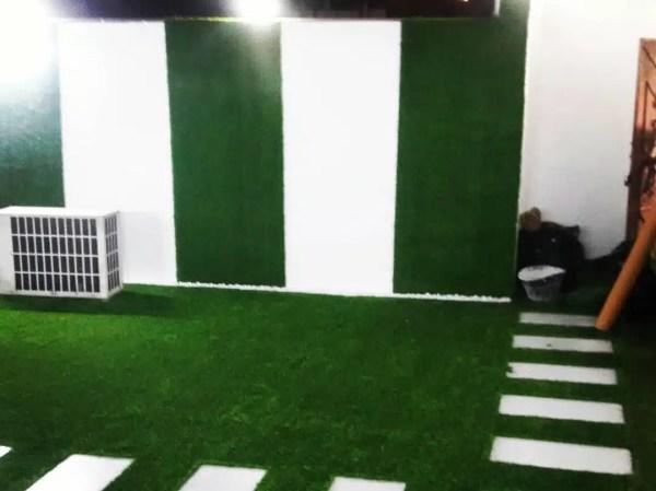 عشب اصطناعي أخضر غامق مخصص للاستعمال الأرضي