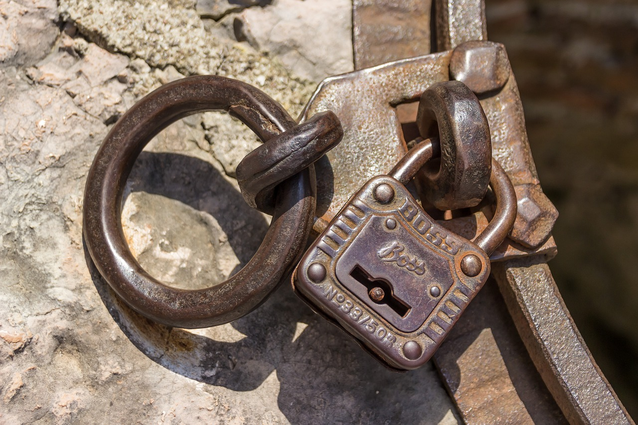Xamarin Android: asymmetric encryption without any user input or