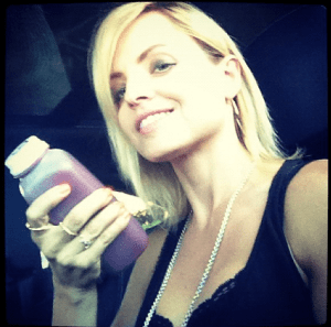 Mena Suvari juice cleanse
