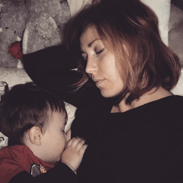 Boarding the sleppy-train to Snoozetown with a little boobjuice snuggle - @JennicaRenee Instagram