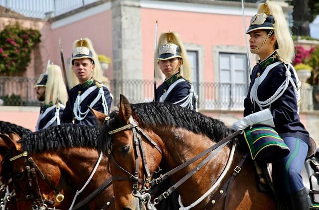guards on horseback. near pasteis de belem, Lisbon, Portugal:  Pic: Keratin Rodgers/msmarmitelover