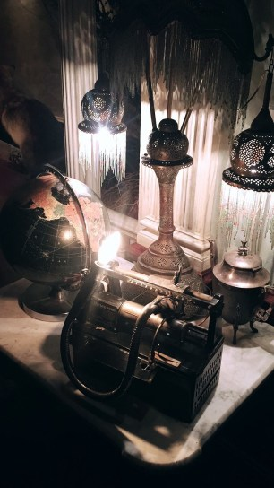Clifton's, Vintage, Lighting, Globe, Lamps, Antique, Set Design, Treasures, LA Nightlife, Cool Spots in LA, Brass,