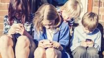 adolescentes-con-telefonos-movil