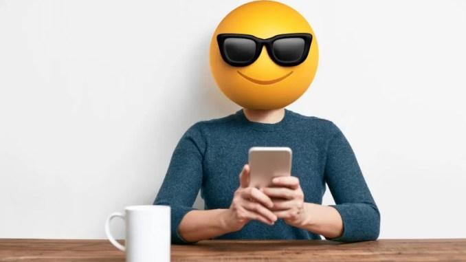 person-smartphone-emoticon