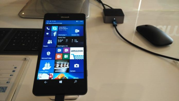 Continuum Lumia 950