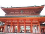 είσοδος shrine