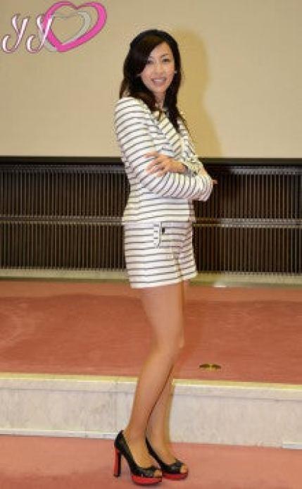 美魔女界一の美脚と言えば吉田由美でしょうね。やはり! | 吉田由美 ...