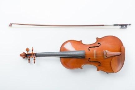 バイオリンは1丁?1本? 各紙で表記バラつき、ヤマハに聞くと...: J ...