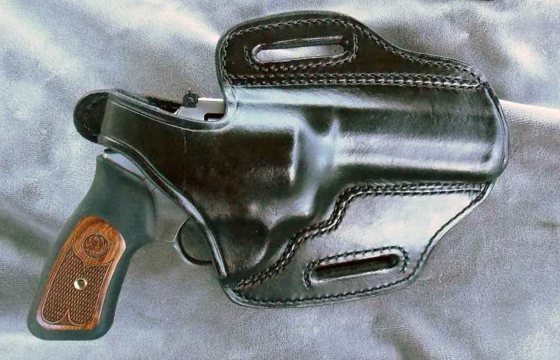 Ruger Sp 101 in Don Hume H 721 black holster