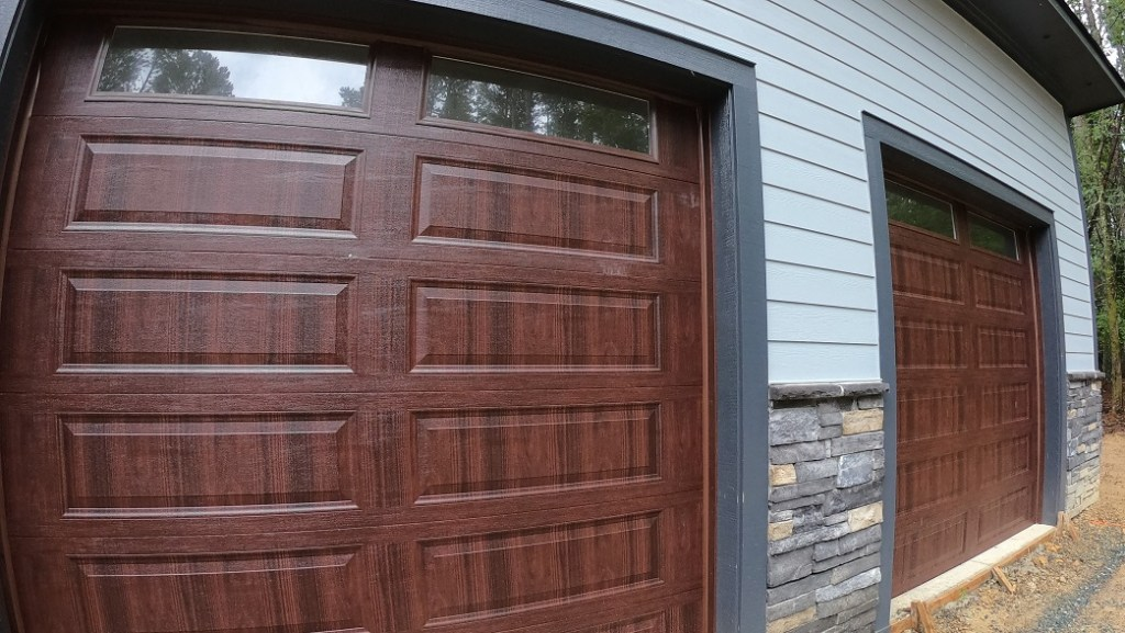 9' Insulated wood-look garage doors at Windfall Creek