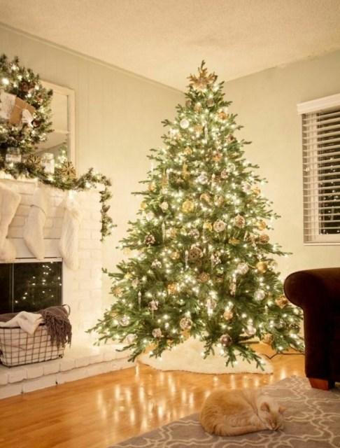 christmas-tree-lighting-cones-christmas-balls