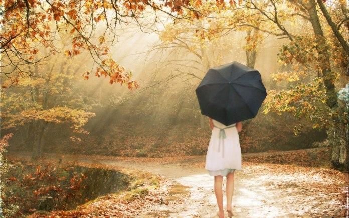 Walking-Alone-Sad-Girl-In-Love-Wallpaper