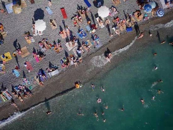 2014年度全球最佳無人機航拍攝影作品,堪稱一餐豐盛而震撼的視覺盛宴。